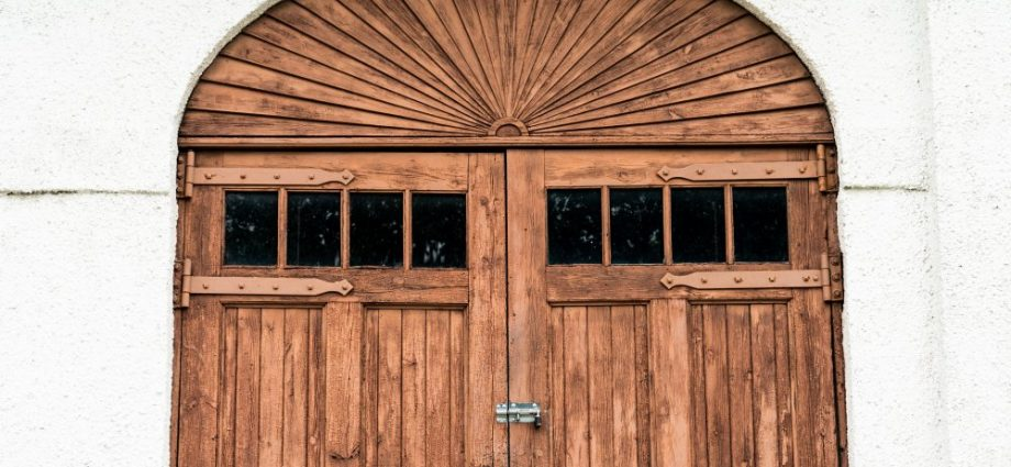 Selecting Doors for your Home